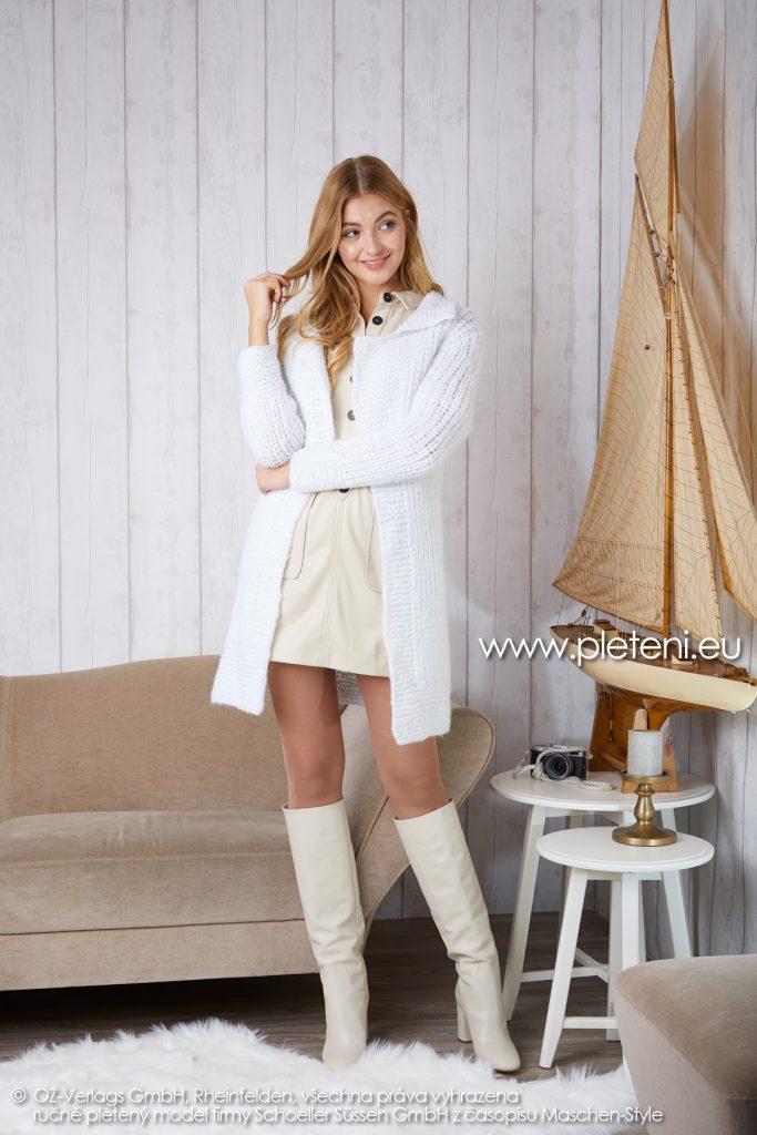 2019-Z-12 pletený dámský kabát z příze Alpaca Fluffy značky Austermann