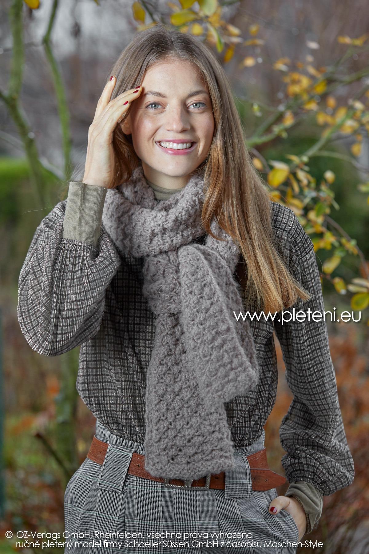2019-Z-24 pletená dámská šála z příze Alpaca Fluffy značky Austermann