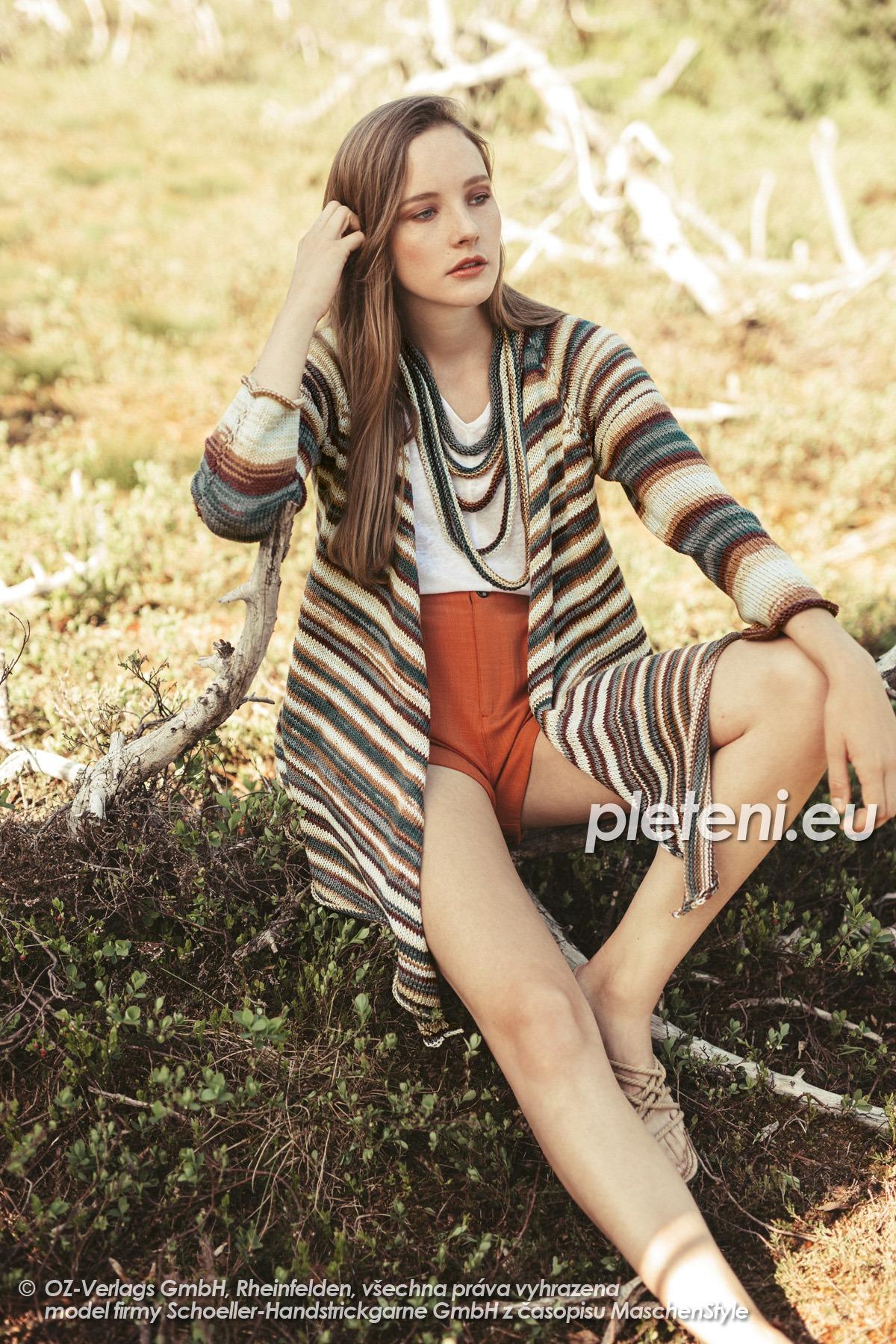 2020-L-31-32 pletený dámský kabátek a náhrdelník z příze Limone Color značky Schoeller+Stahl